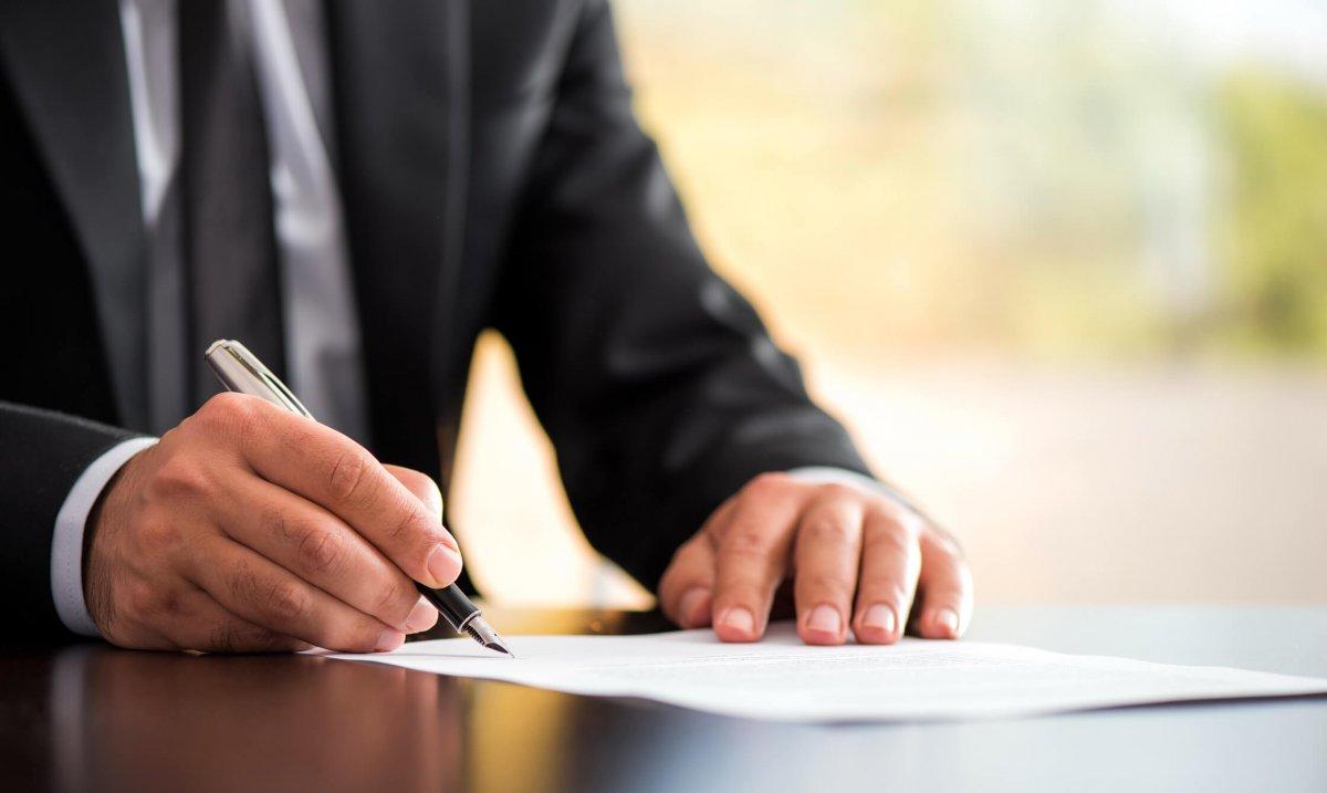 Qui peut consulter le registre central successoral ?
