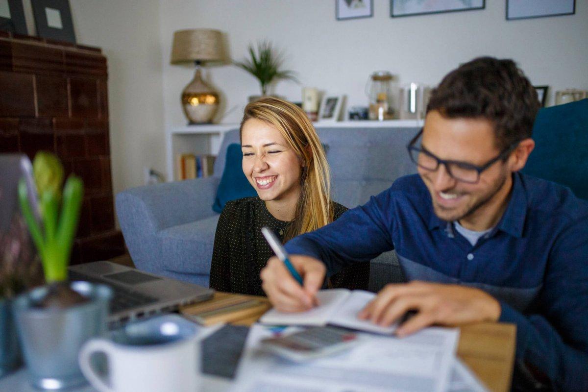 Quel est le meilleur moment pour alimenter mon fonds d'épargne-pension ou mon assurance épargne-pension ?