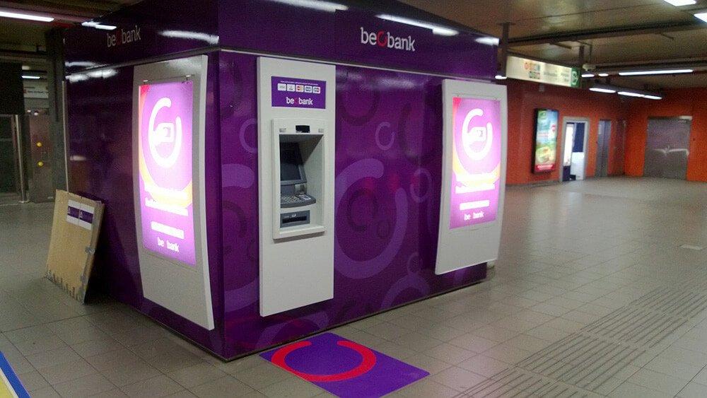 Beobank geldautomaten in de Brusselse metro